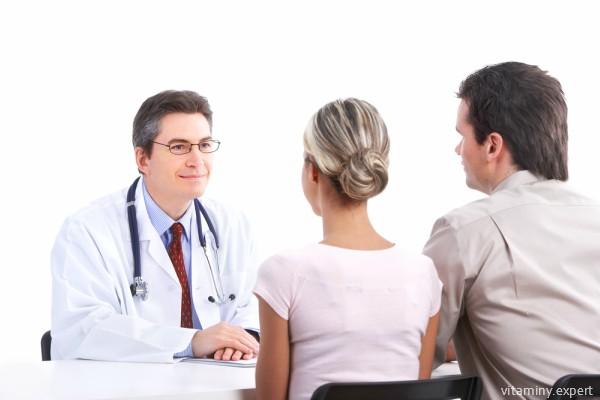 Фолиевую кислоту для зачатия назначают и женщинам, и мужчинам