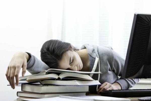 Хроническая усталость - один из признаков нехватки биотина