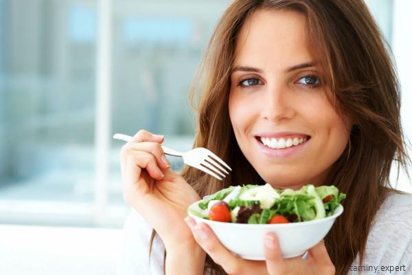 При недостатке фолиевой кислоты нужно есть больше овощей