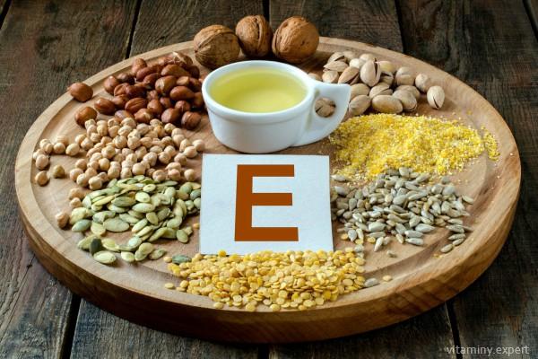 Продукты с содержанием витамина Е при беременности предпочтительнее синтетических препаратов