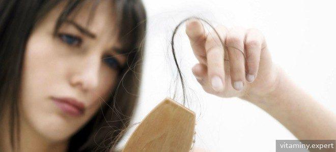 Миниатюра к статье Как устранить выпадение волос с помощью витаминов?